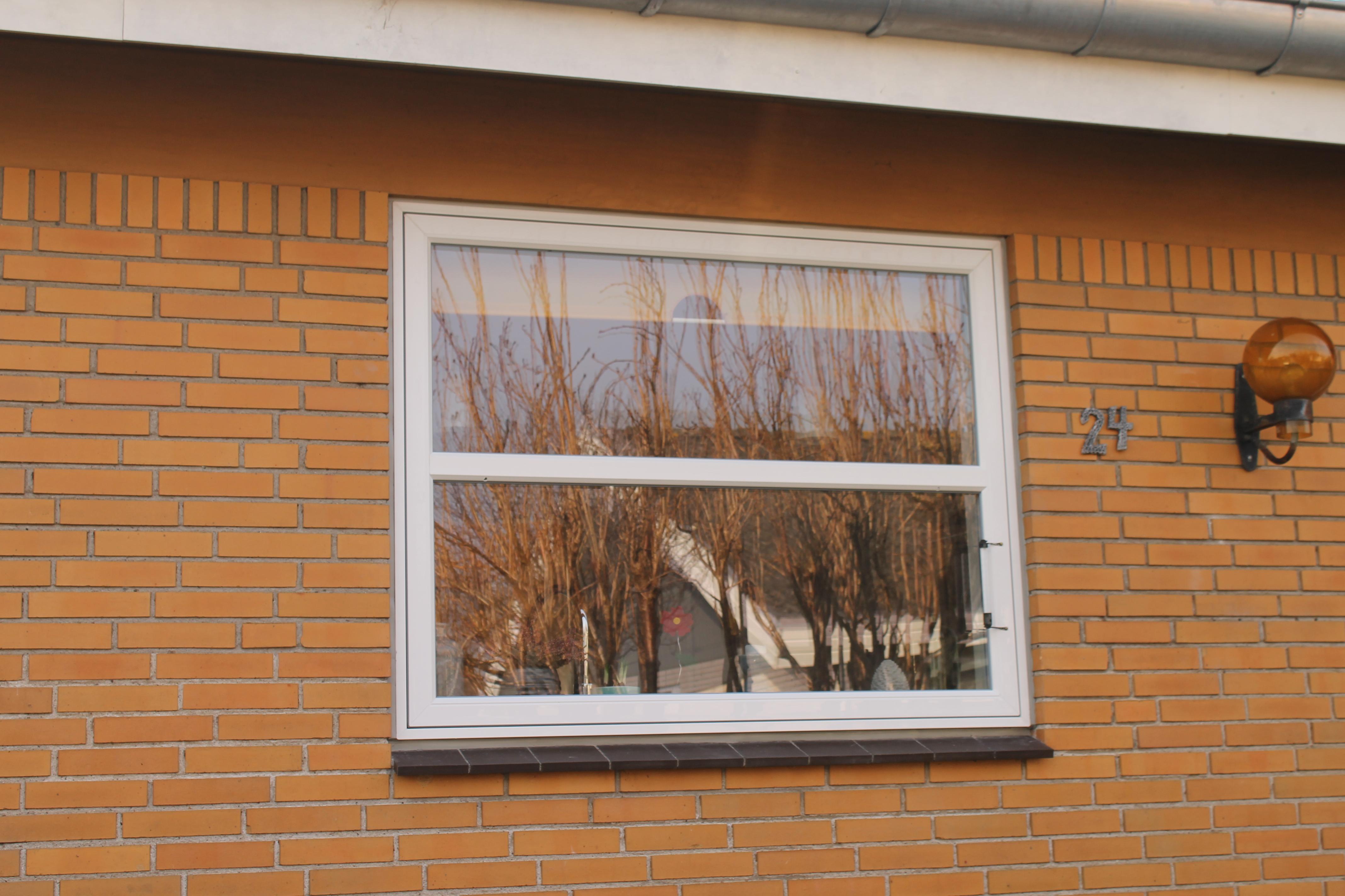 holdbar hvide vinduer